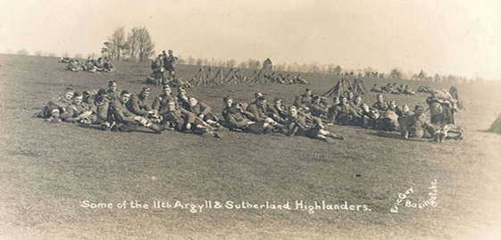 Soldiers from the Argyll and Sutherland Highlanders relaxing during a break in First World War training